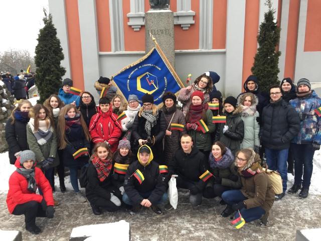 """Vasario 16-osios eisena """"Lietuvos valstybės keliu"""""""