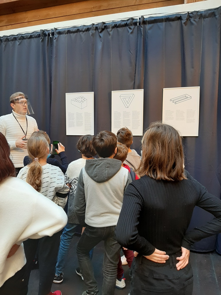 Matematika ir istorija Iliuzijų muziejuje